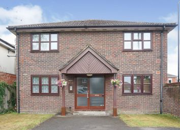 Thumbnail 1 bed flat for sale in 77 Pinegrove Road, Southampton