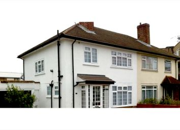 3 bed detached house to rent in Manor Drive North, New Malden KT3