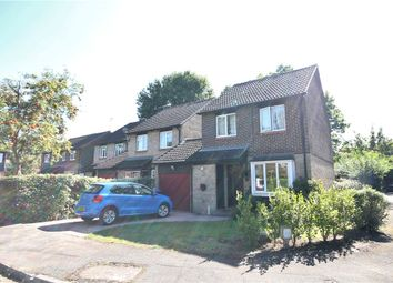 3 bed property for sale in Alterton Close, Woking, Surrey GU21