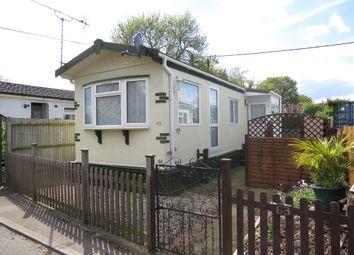 Thumbnail 2 bed mobile/park home for sale in Grovelands Avenue, Winnersh, Wokingham