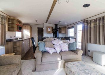 Thumbnail 2 bedroom mobile/park home for sale in Haveringland, Norwich