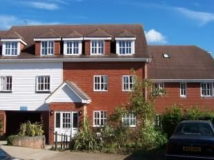 Thumbnail 2 bedroom flat for sale in Little Park, Wadhurst