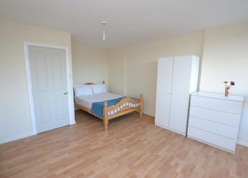Room to rent in Knighthead Point, The Quaterdeck, London E14