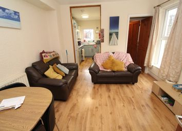 3 bed flat to rent in Miskin Street, Cathays, Cardiff CF24