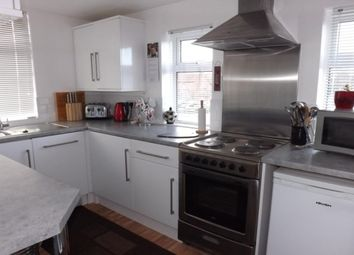 Thumbnail 2 bed flat to rent in The Parade, Mulfords Hill, Tadley