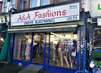 Meads Lane, Ilford IG3. Retail premises to let