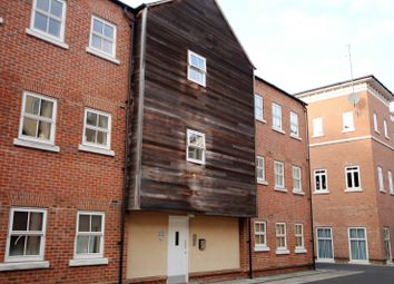 Thumbnail 2 bed flat to rent in Nymet Court, Aylesbury