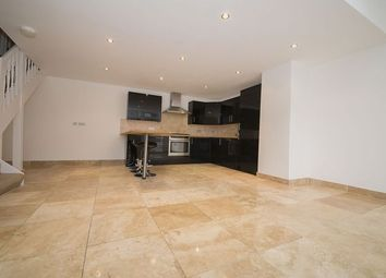 Thumbnail 2 bed flat to rent in Colney Hatch Lane, London