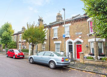 Thumbnail 2 bed cottage for sale in Kingsley Street, Battersea, London