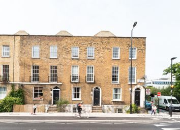 Queensbridge Road, London E2. 2 bed flat