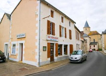 Thumbnail Pub/bar for sale in Saulge, Vienne, France