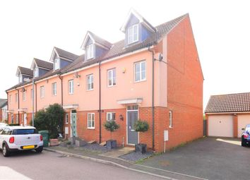 Thumbnail 3 bed town house for sale in Muir Place, Wickford, Essex