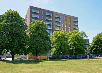 Meranti Apartments, Deptford Landings, Deptford SE8. 3 bed flat