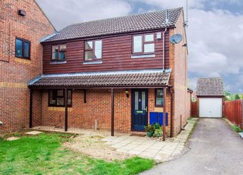 Thumbnail 3 bed property for sale in Lenborough Close, Buckingham