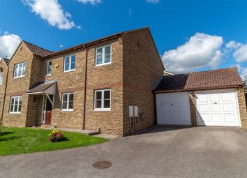 Thumbnail 4 bed detached house for sale in Poundfield Way, Twyford, Reading