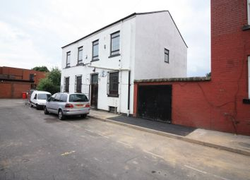 Thumbnail 3 bed flat to rent in Cowper Mount, Leeds