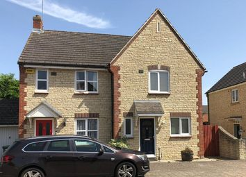 3 bed property to rent in Mallards Way, Bicester OX26