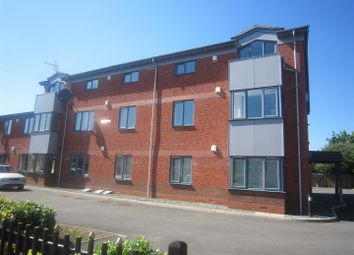 Thumbnail 1 bedroom flat to rent in Coombs Road, Worcester