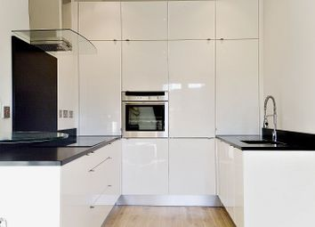 Thumbnail 1 bed flat to rent in Butlers And Colonial Wharf, Shad Thames, London
