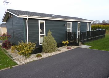 2 bed mobile/park home for sale in The Birches, Blossom Hill Park, Dunkeswell, Honiton, Devon EX14