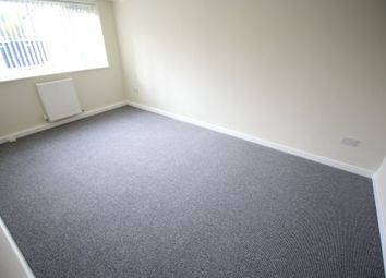 2 bed flat to rent in Vinecote Road, Longford, Coventry CV6