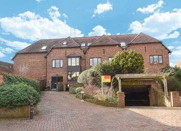 Thumbnail 2 bedroom flat to rent in Town Centre, Henley-On-Thames