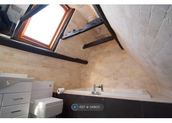 Thumbnail 2 bed flat to rent in Oxford Court, Newbury
