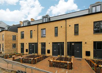 3 bed end terrace house for sale in Drovers Place, Huntingdon, Cambridgeshire PE29