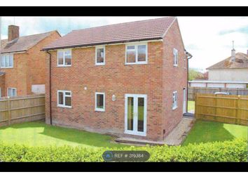 Thumbnail 1 bed flat to rent in Abbott Road, Didcot