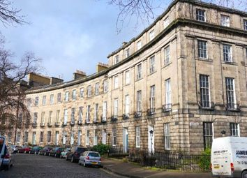 2 bed flat to rent in Royal Circus, New Town, Edinburgh EH3