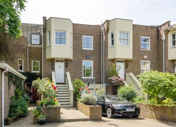 Thumbnail 4 bed town house to rent in Hampton Court Road, East Molesey