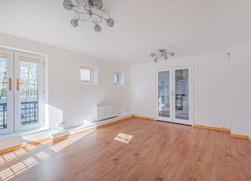 2 bed maisonette to rent in Greenland Quay, London SE16