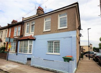 Thumbnail 1 bedroom flat for sale in Leigh Road, London