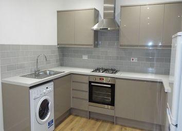 2 bed flat to rent in Burch Road, Northfleet, Gravesend DA11