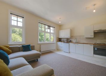 Thumbnail Flat to rent in Brook Court, Watling Street, Radlett