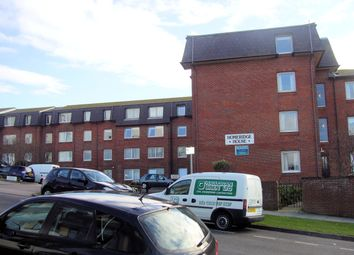 Thumbnail 1 bed flat to rent in Longridge Avenue, Saltdean, East Sussex