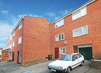 Thumbnail 3 bed terraced house to rent in Beacon Road, Chatham