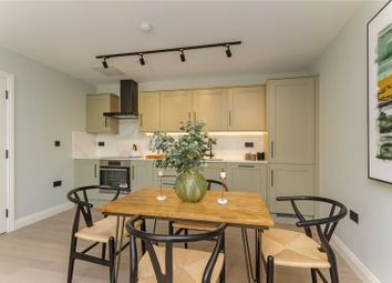 Brook House, 24 Duke Street, Henley-On-Thames, Oxfordshire RG9. 2 bed flat