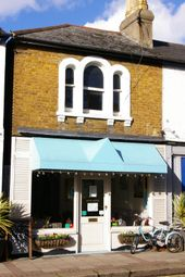 Thumbnail Restaurant/cafe to let in Oatlands Drive, Weybridge