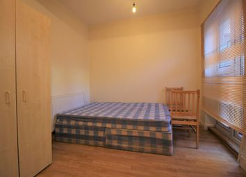 Thumbnail 1 bed flat to rent in Roman Road, Mile End