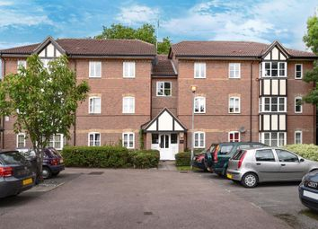 Thumbnail 2 bedroom flat for sale in Lee Close, New Barnet