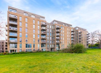 Adenmore Road, London SE6. 1 bed flat for sale