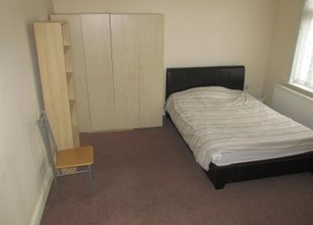Thumbnail 2 bedroom flat to rent in Salisbury Road, London