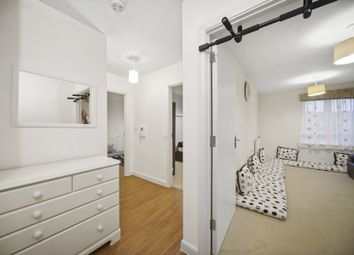 Featherstone Road, Southall UB2. 2 bed flat