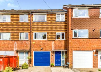 Hillcrest, Tadley, Hampshire RG26. 3 bed town house
