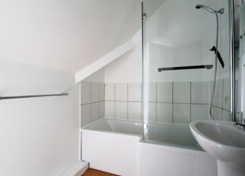 Thumbnail 2 bed flat to rent in Pickford Street, Aldershot
