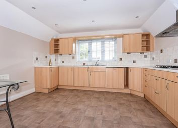 Thumbnail Flat to rent in Sunninghill, Berkshire