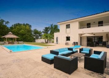 Thumbnail 6 bed villa for sale in Aix En Provence, Aix En Provence, France