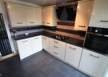 3 bed property to rent in Whipperley Way, Luton LU1