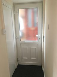 2 bed maisonette to rent in Birchen Grove, Luton LU2